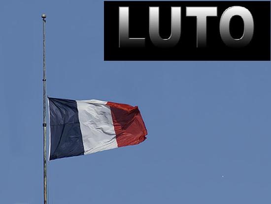 Franca bandeira a meio pau